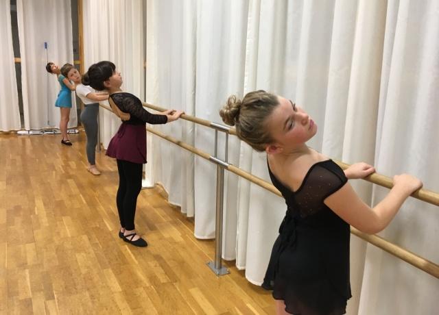 TOZ by Esther Dansschool - Tot het uiterste - Klassiek ballet op zaterdag